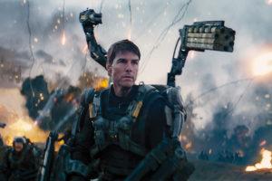 tom cruise in battaglia nel film edge of tomorrow